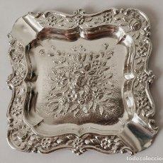 Antigüedades: CENICERO DE PLATA DE LEY CONTRASTADA. 15,5 GRAMOS. 7 X 7 CM. VER FOTOS Y DESCRIPCION. Lote 93304535
