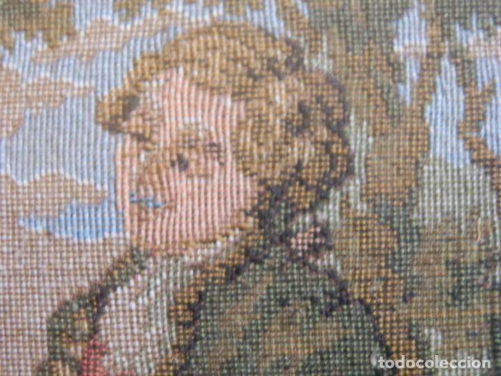 Antigüedades: TRES FINOS TAPICES FRANCESES,MECANICOS, S.XX ROMANTICISMO.MARCO MADERA DORADA 75MM.CON MARIALUISA - Foto 4 - 93354565