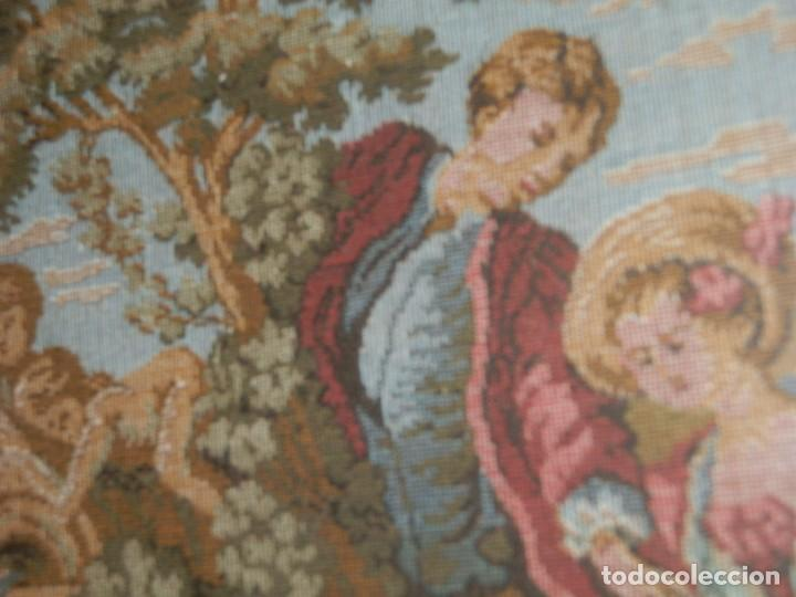 Antigüedades: TRES FINOS TAPICES FRANCESES,MECANICOS, S.XX ROMANTICISMO.MARCO MADERA DORADA 75MM.CON MARIALUISA - Foto 10 - 93354565