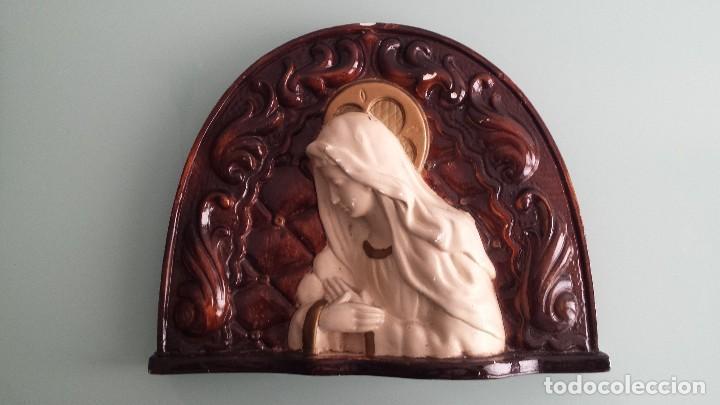 VIRGEN ESCAYOLA PARED (Antigüedades - Religiosas - Varios)