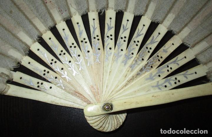 Antigüedades: ABANICO EN MARFIL O HUESO PINTADO A MANO. INICIOS DEL SIGLO XX. - Foto 2 - 93688670