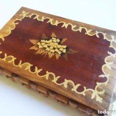 Antigüedades: ANTIGUA CAJA - JOYERO INGLES DEL XIX NOGAL, CON MARQUETERIA DE LIMONCILLO . Lote 93709050