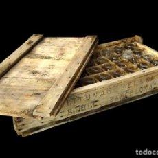 Antigüedades: ATENCION :CAJA MUY ANTIGUA DE ACEITUNAS BOFILL, BARCELONA, CON SUS 47 TARRITOS DE CRISTAL ANTIGUOS.. Lote 26531286