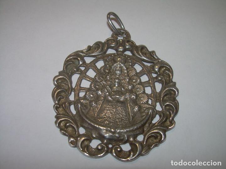 Antigüedades: ANTIGUA Y BONITA MEDALLA.....VIRGEN DEL ROCIO...SIGLO XIX.PRINC.XX. - Foto 2 - 93754940