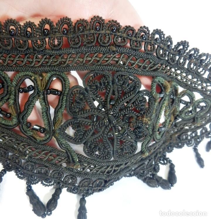 Antigüedades: 5000 Tres bellas aplicaciones bordadas a mano en cristales ónices.- Fines s XIX - Foto 5 - 93777025