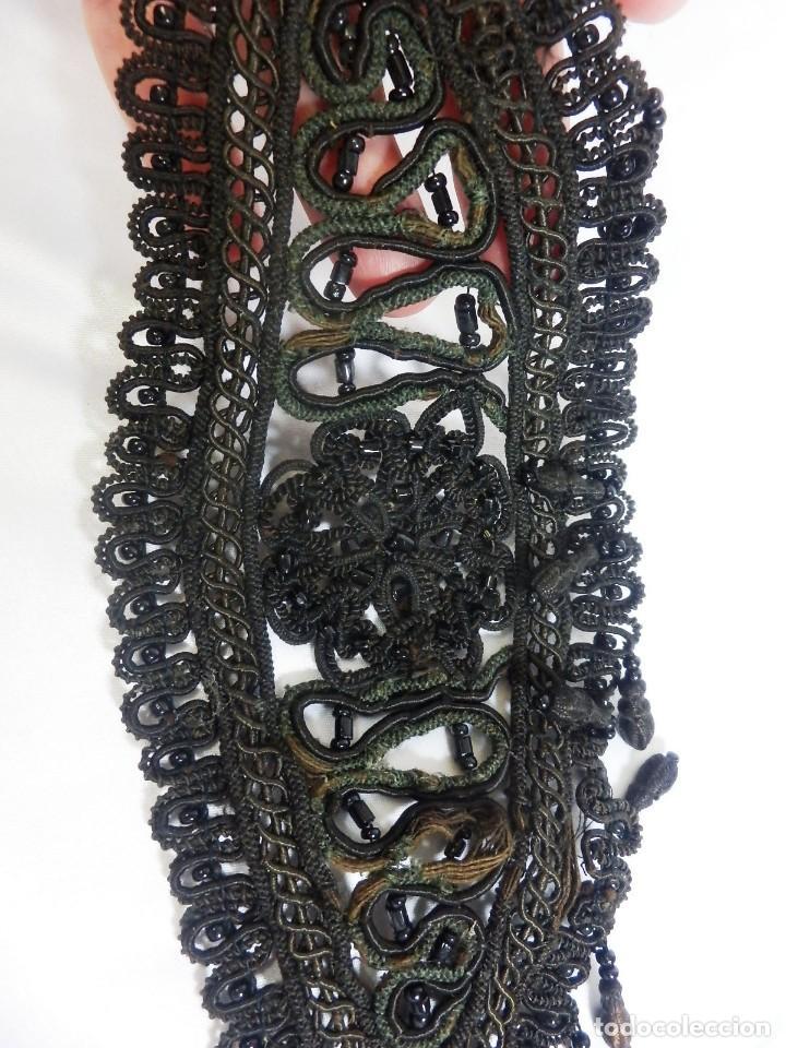 Antigüedades: 5000 Tres bellas aplicaciones bordadas a mano en cristales ónices.- Fines s XIX - Foto 6 - 93777025