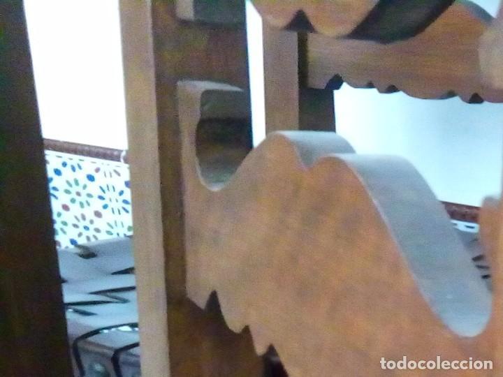 Antigüedades: 6 sillas antiguas, tipo castellano con asientos de cuero, ver fotos - Foto 3 - 93807465