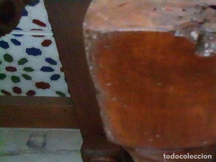 Antigüedades: 6 sillas antiguas, tipo castellano con asientos de cuero, ver fotos - Foto 5 - 93807465