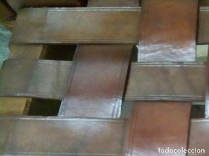 Antigüedades: 6 sillas antiguas, tipo castellano con asientos de cuero, ver fotos - Foto 6 - 93807465