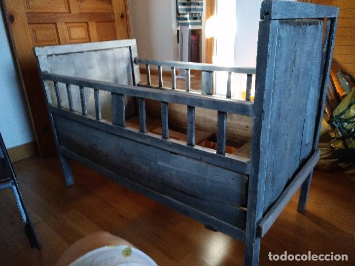 Antigua cuna de madera para ni o sobre 1900 comprar - Camas de madera antiguas ...