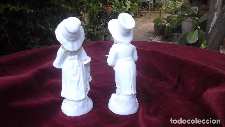 Antigüedades: Pareja de figuras en porcelana inglesa - Foto 4 - 93945205