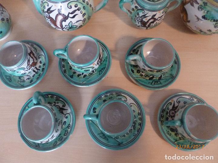 Antigüedades: Juego de café Puente del Arzobispo. 15 piezas taller La Purisima mas 1 jarra de agua independiente. - Foto 3 - 93963385