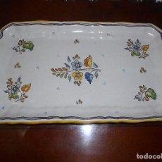 Antigüedades: BANDEJA CERAMICA GINES DE TALAVERA DE LA REINA.. Lote 93963460