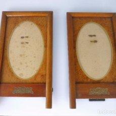 Antigüedades: 2 MARCOS DE MADERA NOBLE 19 X 10,5 AÑOS 40 .CON PASPARTU DE MADERA, CRISTAL Y DECORACIÓN EN DORADO. Lote 93979705