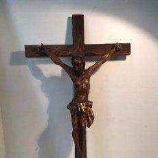 Antigüedades: CRUZ Y CRISTO DE TALLA DE MADERA PARA RESTAURAR. 76 X 43,5CM.. Lote 94037555