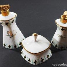Antigüedades: BONITO Y ANTIGUO JUEGO DE TOCADOR DE 3 PIEZAS PRINCESS CHINA. Lote 94068995