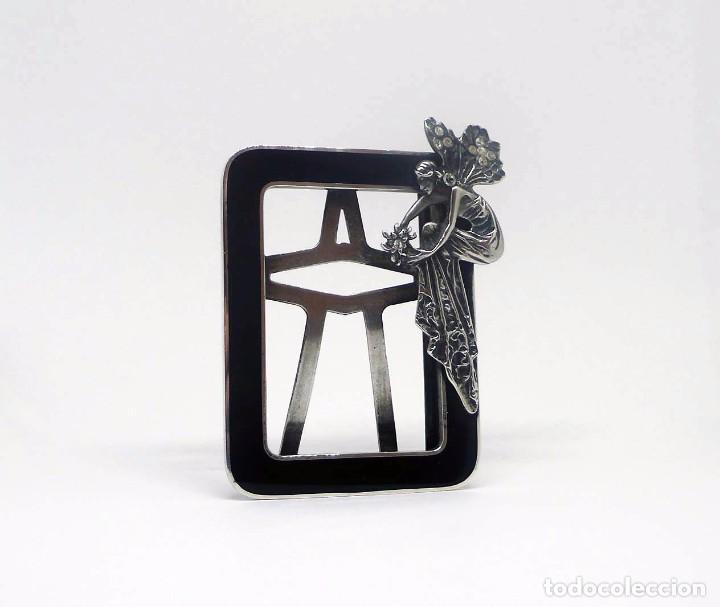 Antigüedades: Antiguo portafotos de plata y esmalte con cristal tallado ninfa alada- Inglaterra Art Nouveau S.XX - Foto 3 - 94070555