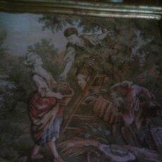 Antigüedades: PRECIOSO Y ANTIGUO TAPIZ DE TELAR ENMARCADO, ESCENA CAMPESTRE, MIDE 55 X 55CM. ENVIO GRATIS¡¡¡. Lote 94073420