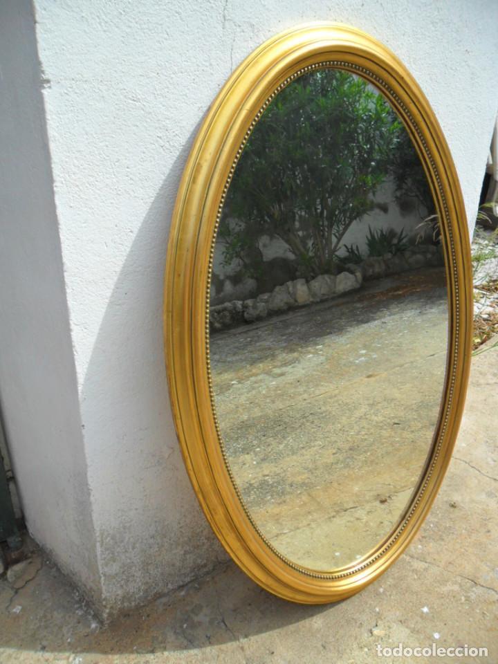 gran espejo ovalado con marco de madera acabado - Comprar Espejos ...
