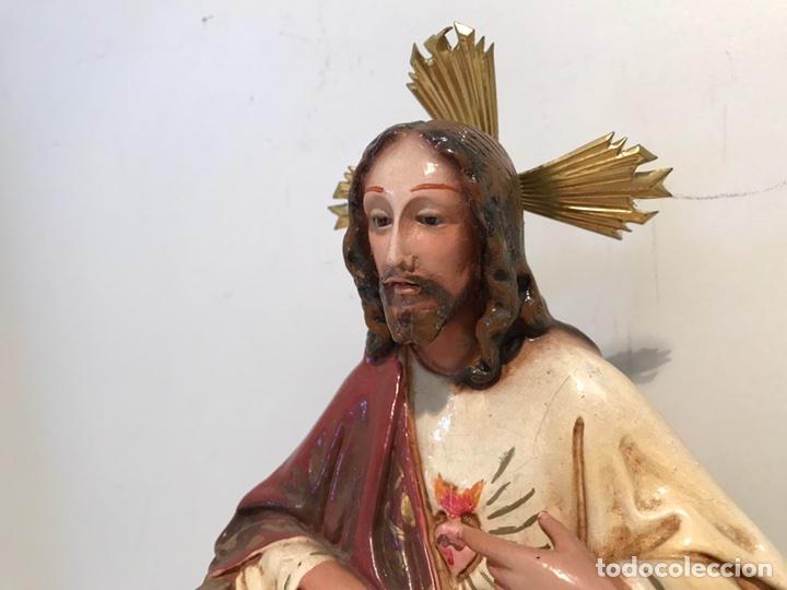 Antigüedades: SAGRADO CORAZON ENTRONIZADO DE ESTUCO ANTIGUO , 29CM. - Foto 4 - 94098945