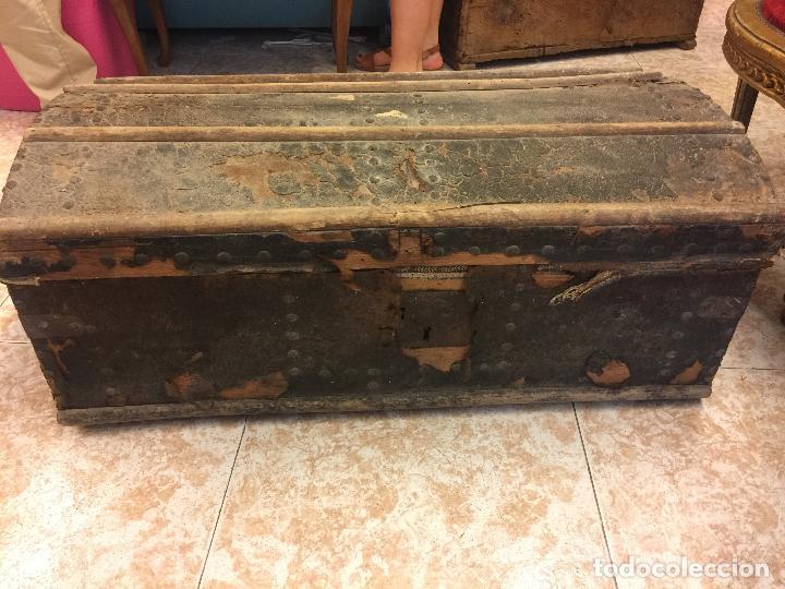 Antiguo baul o arcon de madera tapizado en cuer comprar - Baules antiguos de madera ...