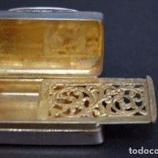 Antigüedades: ANTIGUA VINAIGRETTE SUIZA DE NEUCHATEL EN PLATA EN SU COLOR Y PLATA DORADA PRIN SIGLO XIX. Lote 94191900