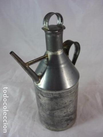 Antigüedades: Antigua Aceitera de Hojalata - 20cm - Foto 3 - 94273030