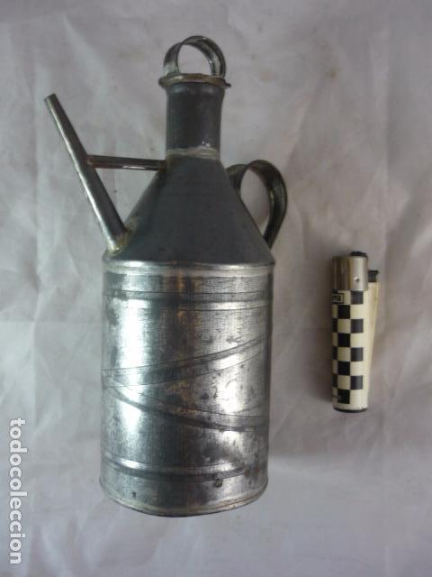 Antigüedades: Antigua Aceitera de Hojalata - 20cm - Foto 5 - 94273030