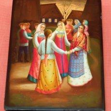 Antigüedades: DECORATIVA CAJA RUSA EN MADERA LACADA Y PINTADA A MANO. PINTADA Y FIRMADA A MANO. Lote 94306834