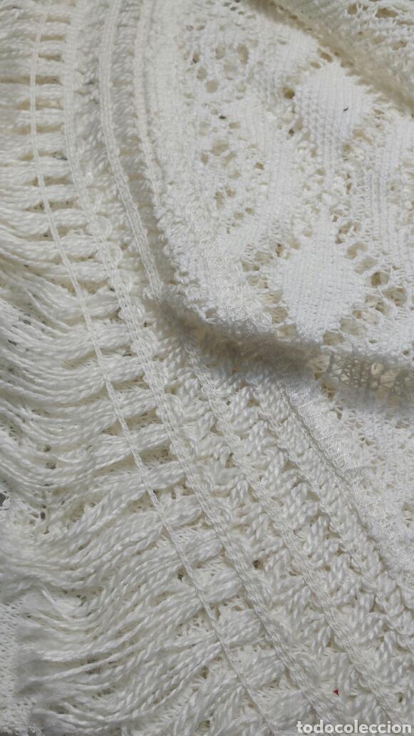 Antigüedades: Cubre camas precioso muy antiguo años 60 de encaje - Foto 3 - 101346450