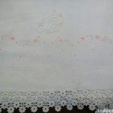 Antigüedades: * ANTIGUA SABANA BORDADA A MANO. (RF:LL3/E). Lote 94455023