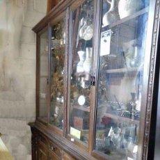 Antigüedades: ESPECTACULAR MUEBLE VITRINA DE 2 PIEZAS. Lote 94479746