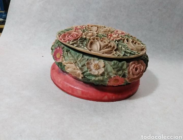 Antigüedades: Joyero en porcelana. Motivos florales en relieve - Foto 3 - 94521578