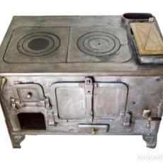 Antigüedades: EXCEPCIONAL ANTIGUA COCINA ECONOMICA DE HIERRO FORJADO RESTAURADA. VER FOTOS.. Lote 107955860