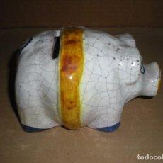 Antigüedades: HUCHA CERÁMICA CERDITO PINTADO A MANO 13X10X10CM. Lote 94776763