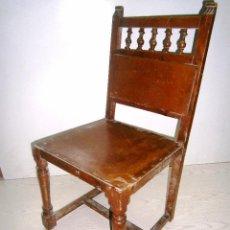 Antigüedades: PEQUEÑA SILLA ANTIGUA DE MADERA.. Lote 94818311