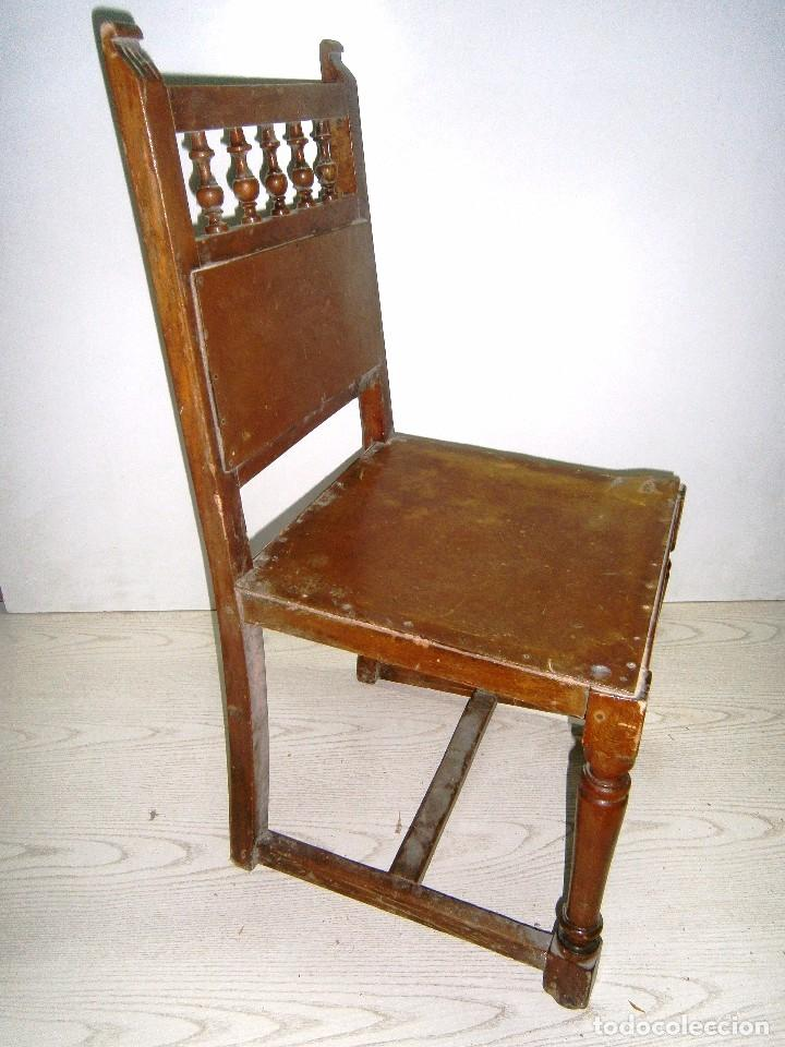 Antigüedades: Pequeña silla antigua de madera. - Foto 2 - 94818311