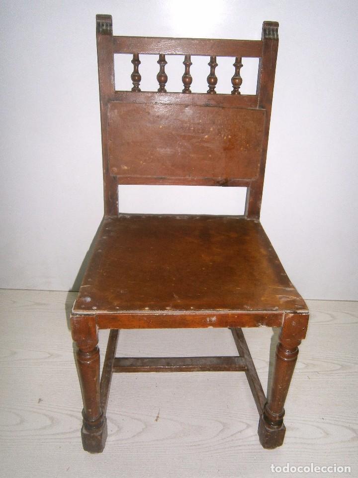 Antigüedades: Pequeña silla antigua de madera. - Foto 4 - 94818311