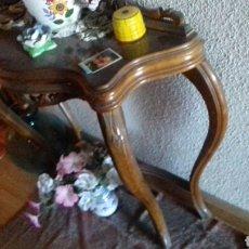 Antigüedades: CONSOLA MADERA MACIZA. 1900. Lote 94847511