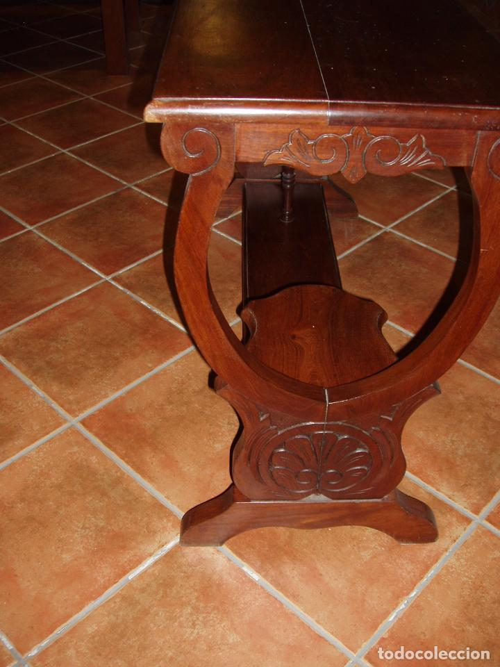 Antigüedades: ANTIGUA CONSOLA DE CAOBA MACIZA, TALLADA Y PATAS FORMA DE LIRA. VINTAGE - Foto 2 - 94880851
