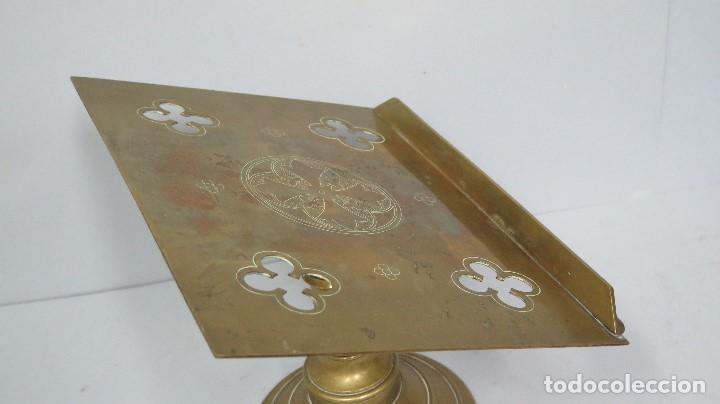 Antigüedades: ANTIGUO Y BONITO ATRIL DE IGLESIA DE BRONCE. SIGLO XIX - Foto 2 - 94950899