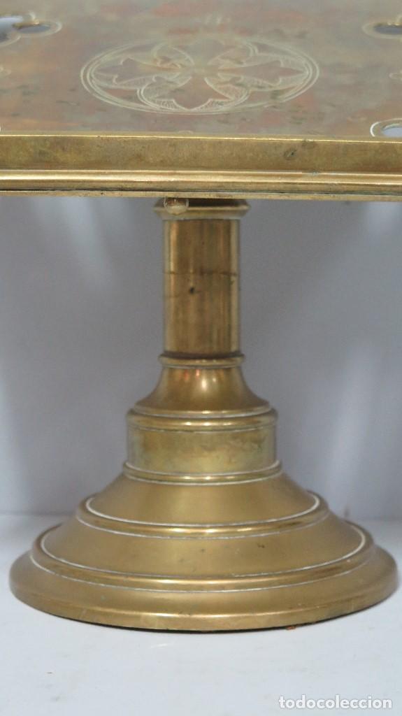 Antigüedades: ANTIGUO Y BONITO ATRIL DE IGLESIA DE BRONCE. SIGLO XIX - Foto 3 - 94950899