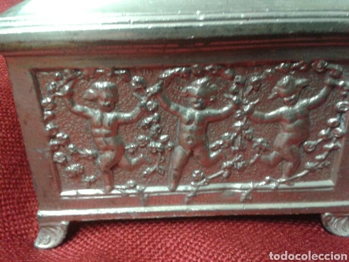 CAJA GRABADA (Antigüedades - Hogar y Decoración - Cajas Antiguas)