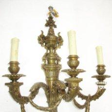 Antigüedades: LAMPARA ANTIGUA PARED SUPER APLIQUE EN BRONCE MACIZO ESTILO IMPERIO LISTO PARA USO . Lote 94997527