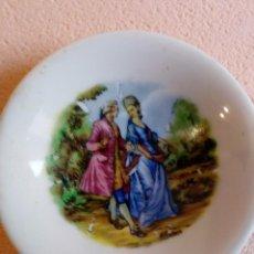 Antigüedades: PLATO BAVARIA ESCENA ROMÁNTICA. Lote 95010831