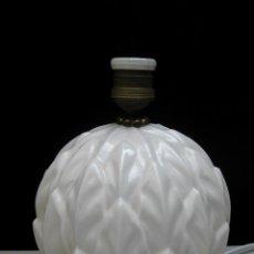 Antigüedades: + DE 1000 LAMPARAS ANTIGUAS EN MI TIENDA. LAMPARA VINTAGE ANTIGUA MANISES TIPO PIÑA CERAMICA BLANCA. Lote 95037815