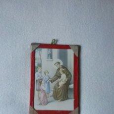 Antigüedades: ANTIGUO PORTAFOTOS CON POSTAL RELIGIOSA. 15 X 10 CM.. Lote 95075162