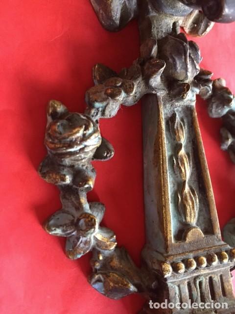 Antigüedades: Antiguo artesanal aplique luz de bronce isabelino con rosetas decoración, aseado una preciosa pieza - Foto 2 - 95081543