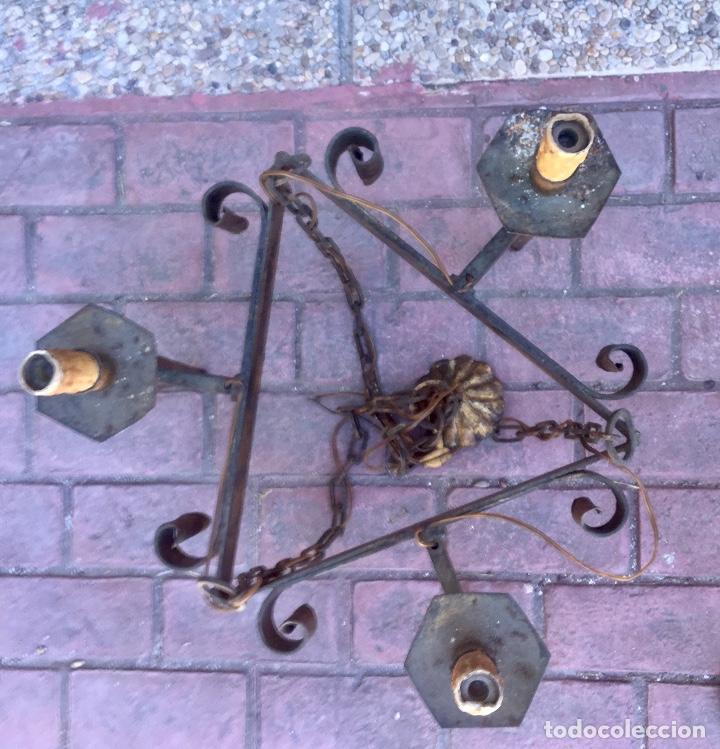 Antigüedades: Lampara hierro forjado estilo medieval antorchas vElas dorado colgar y pie 45cm diametro - Foto 22 - 95123339