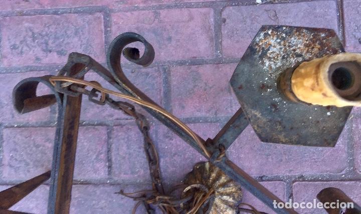 Antigüedades: Lampara hierro forjado estilo medieval antorchas vElas dorado colgar y pie 45cm diametro - Foto 26 - 95123339